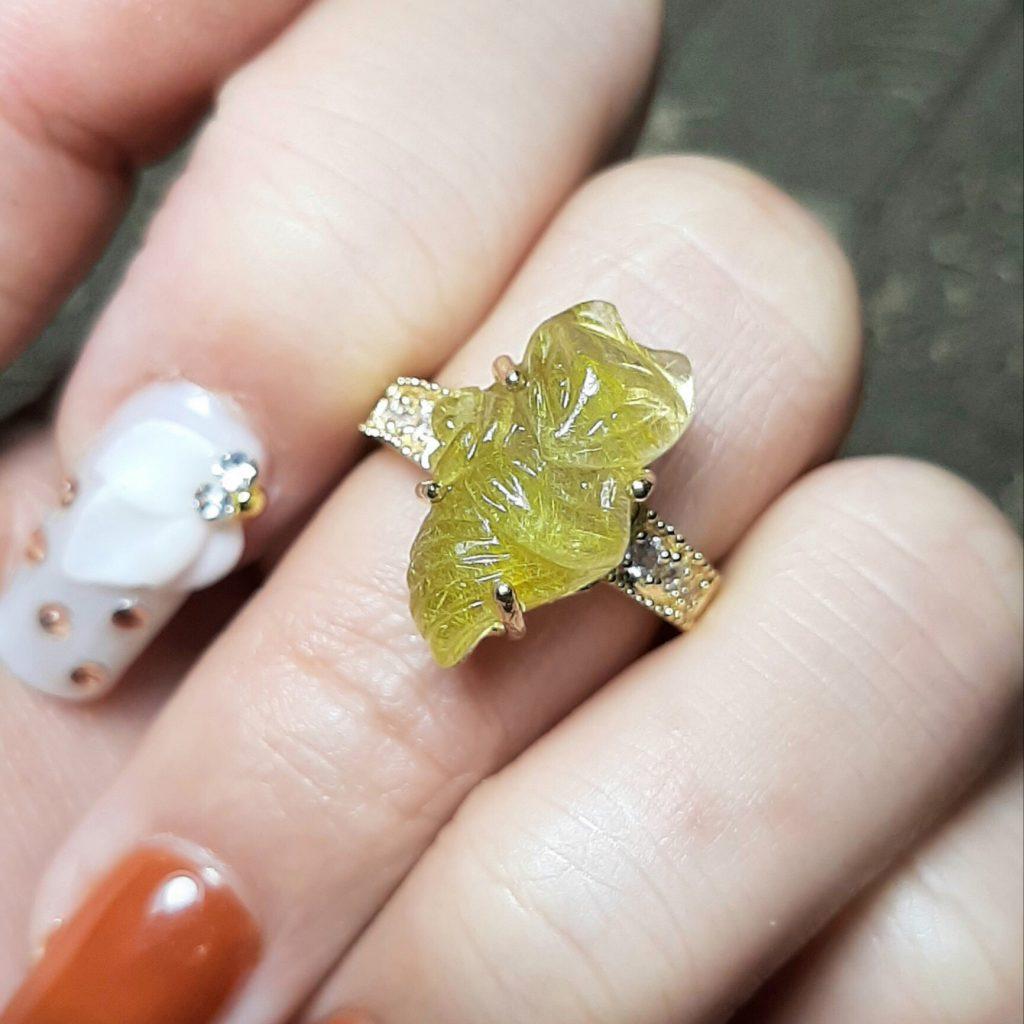 Nhẫn Đá Hồ Ly Thạch Anh Tóc Vàng