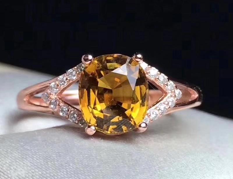 Tourmaline Vàng